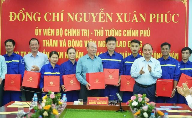 [ẢNH] Thủ tướng thăm công nhân mỏ Hà Lầm, Quảng Ninh - 9