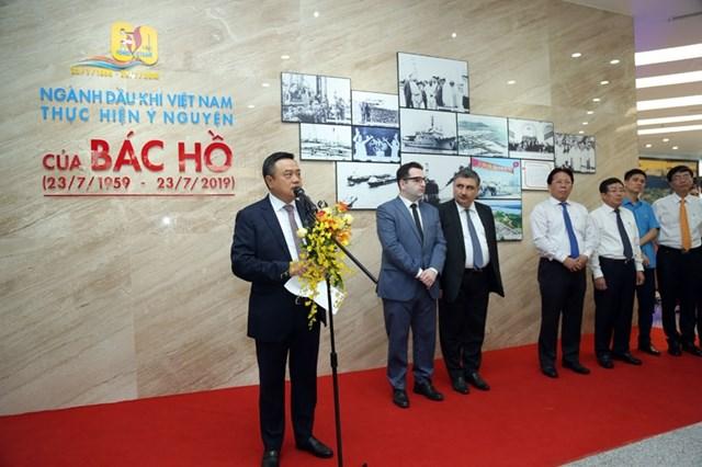 Khai mạc Triển lãm ảnh '60 năm ngành Dầu khí Việt Nam thực hiện ý nguyện của Bác Hồ' - 4