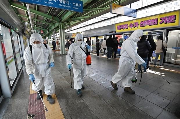 Nhật Bản chuẩn bị dỡ bỏ tình trạng khẩn cấp toàn quốc - 1