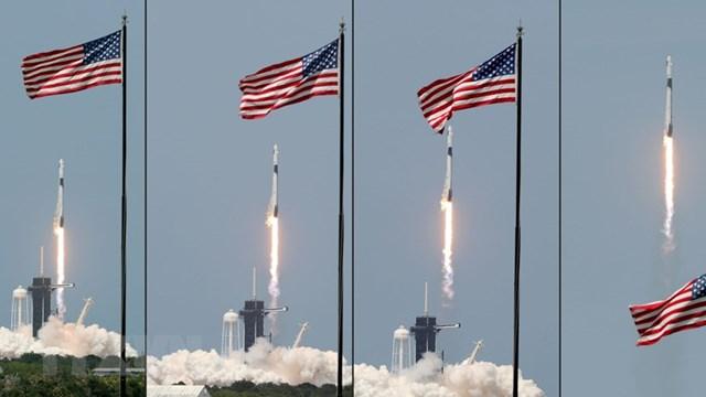 SpaceX phóng tàu vũ trụ Crew Dragon đánh dấu mốc lịch sử