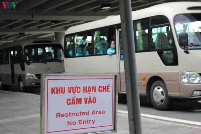 344 công dân Việt Nam từ Singapore về sân bay Cần Thơ - 8