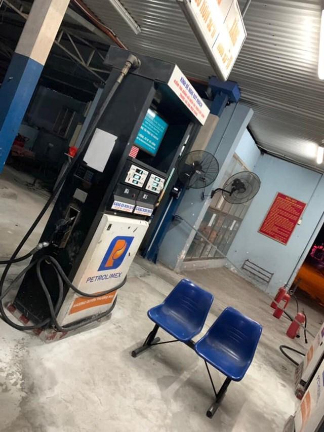 Hà Nội: Xử lý một cửa hàng xăng dầu từ chối bán xăng cho người dân - 1