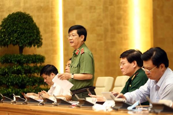 Thứ trưởng Bộ Công an Nguyễn Văn Sơn phát biểu ý kiến. Ảnh: VGP.