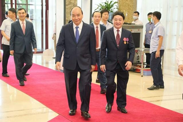 Thủ tướng Nguyễn Xuân Phúc tới dự Đại hội.