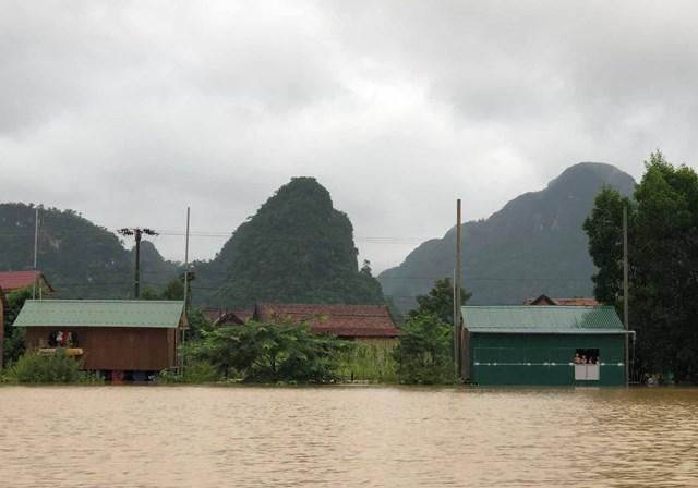 Nước lũ dâng cao ở nhiều địa phương tại Quảng Bình.