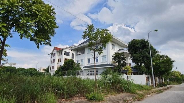 Những biệt thự mọc lên sai quy hoạch tại dự án Đầu tư xây dựng khu liên hợp khoa học - đào tạo tại thị xã Từ Sơn.