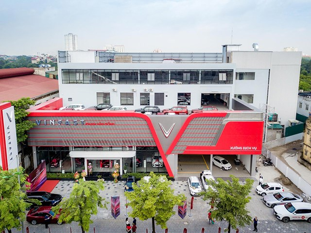 Cận cảnh showroom 3S lớn nhất Việt Nam của VinFast - Ảnh 2