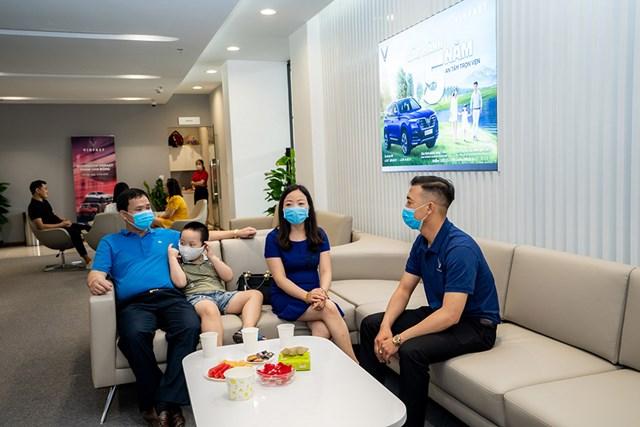 Cận cảnh showroom 3S lớn nhất Việt Nam của VinFast - Ảnh 4