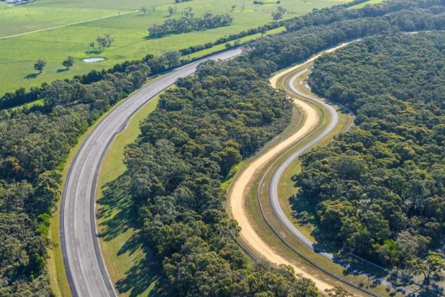 VinFast mua Trung tâm thử nghiệm xe của GM tại Australia - Ảnh 3