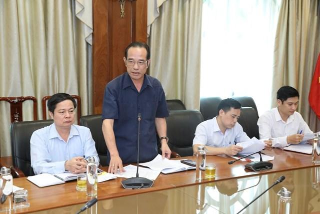 Các đại biểu đóng góp ý kiến tại cuộc họp. Ảnh: Quang Vinh.