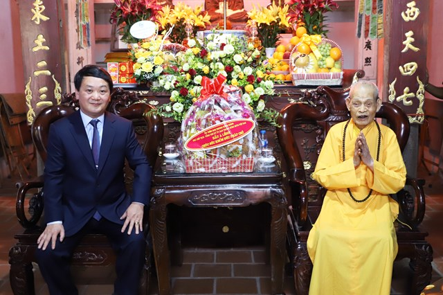 Phó Chủ tịch – Tổng Thư ký Hầu A Lềnh vấn an Đức Pháp chủ Giáo hội Phật giáo Việt Nam - Ảnh 1