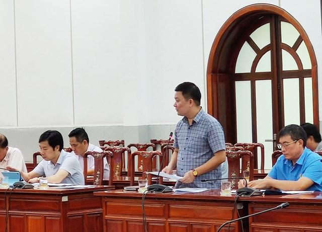 Các đại biểu tham gia đóng góp ý kiến tại cuộc họp.