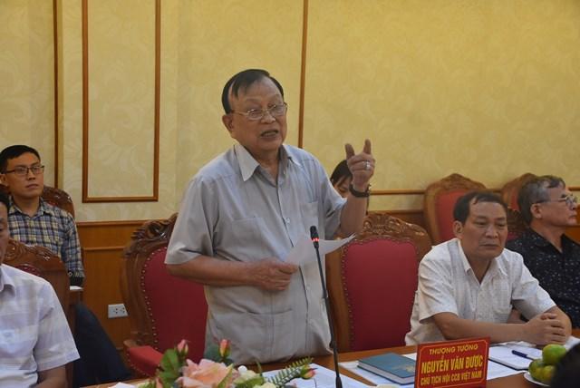 Thượng tướng Nguyễn Văn Được, Chủ tịch Hội Cựu chiến binh Việt Nam phát biểu tại buổi làm việc.