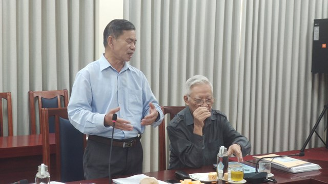 """Các đại biểu tham gia trao đổi, thảo luận tại Tọa đàm """"Xây dựng định hướng công tác nghiên cứu khoa học của cơ quan UBTƯ MTTQ Việt Nam giai đoạn 2021-2025""""."""