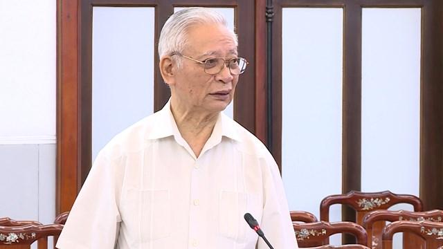 PGS.TS Trần Hậu, nguyên Giám đốc Trung tâm công tác Lý luận phát biểu tại Hội thảo.