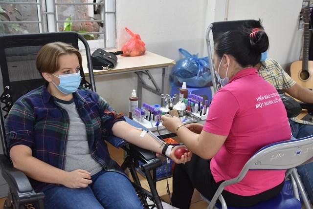 """Chương trình """"Sự sống tiếp nối"""" còn nhận được sự tham gia hưởng ứng của nhiều tình nguyện viên là người nước ngoài."""