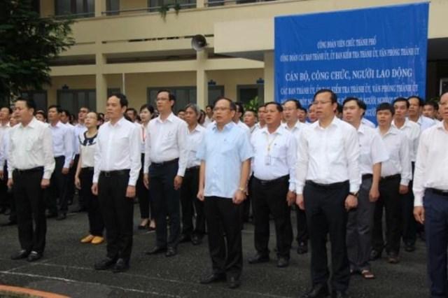 Lễ chào cờ của các ban, ngành, Văn phòng Thành ủy TP HCM.