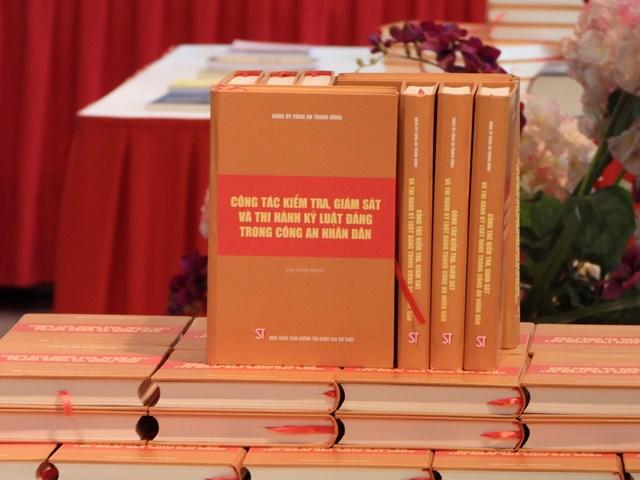 Cuốn sách về công tác kiểm tra, giám sát và thi hành kỷ luật Đảng trong CAND.