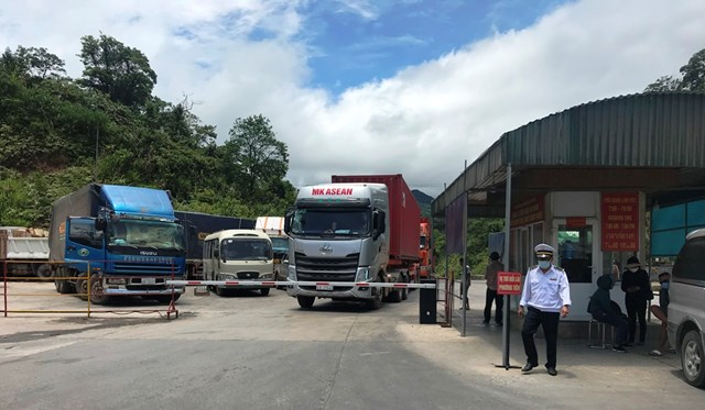 UBND tỉnh Hà Tĩnh chậm trễ trong chỉđạo thực hiện Quyếtđịnh của Bộ Y tế khiến lực lượng chức năng lúng túng.