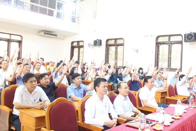 Đại biểu hiệp thương tại hội nghị.