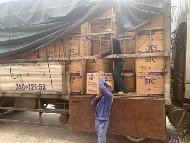 Xe tải này chạy từ TP Hồ Chí Minh, khi ra đến Hà Tĩnh mới bị phát hiện.