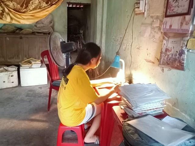 Góc học tập của Trần Thị An.