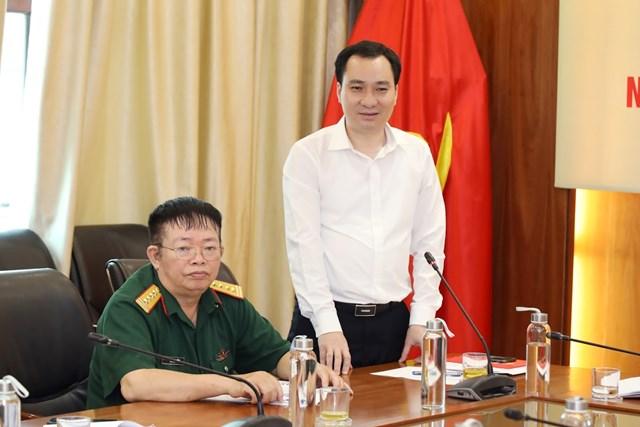 Trưởng ban Tuyên giáo UBTƯ MTTQ Việt Nam Vũ Văn Tiến phát biểu tại buổi gặp mặt.