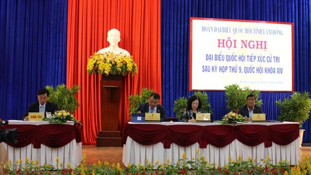 Trưởng Ban Dân vận Trung ương Trương Thị Mai và Đoàn đại biểu Quốc hội tỉnh Lâm Đồng tiếp xúc cử tri Đà Lạt. Ảnh: Báo Lâm Đồng.