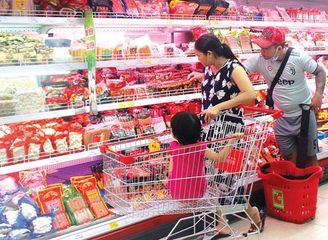 Thực phẩm chế biến sẵn đang là chọn lựa của người dân đô thị.