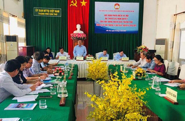 Ông Nguyễn Ngọc Tâm tiếp thu ý kiến của đại biểu.