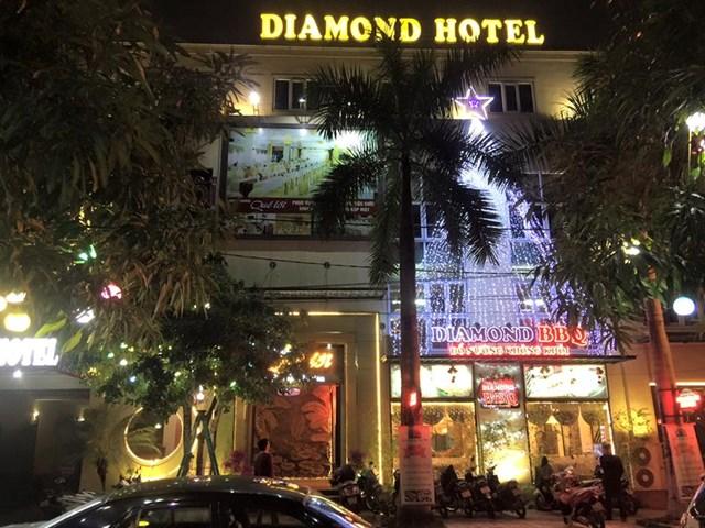 Khách sạn Diamond, do bà Nguyễn T.L.A làm chủ