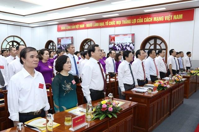 Các đại biểu tham dự lễ chào cờ. Ảnh: Quang Vinh.