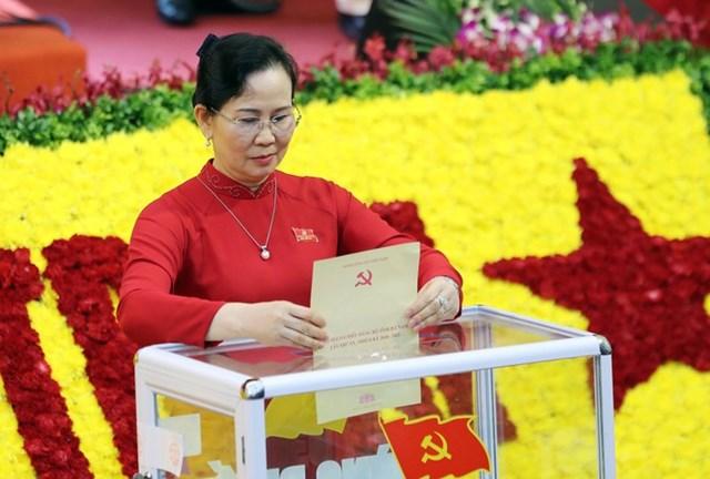Bí thư Tỉnh ủy Hà Nam Lê Thị Thủy vừa được tái cử