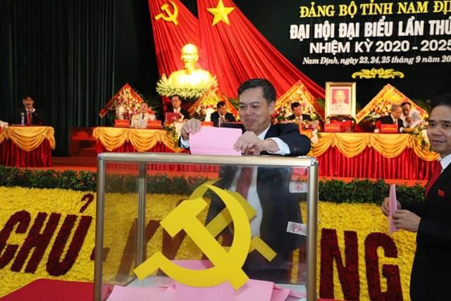 Đai biểu bỏ phiếu tại Đại hội