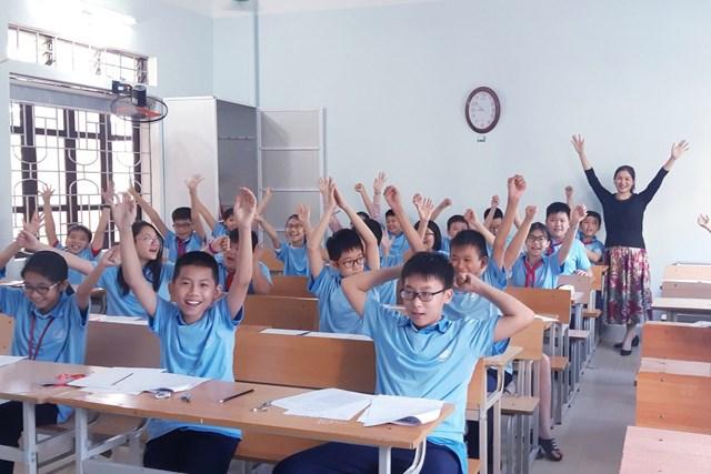 Thí sinh dự thi Toan học AMC triển khai tại cấp trường.