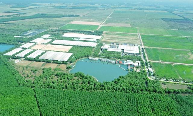 """Không chỉ gây ấn tượng với quy mô lớn và sự hiện đại, trang trại của Vinamilk tại Tây Ninh còn được biết đến với không gian xanh mát, lý tưởng như """"resort""""."""