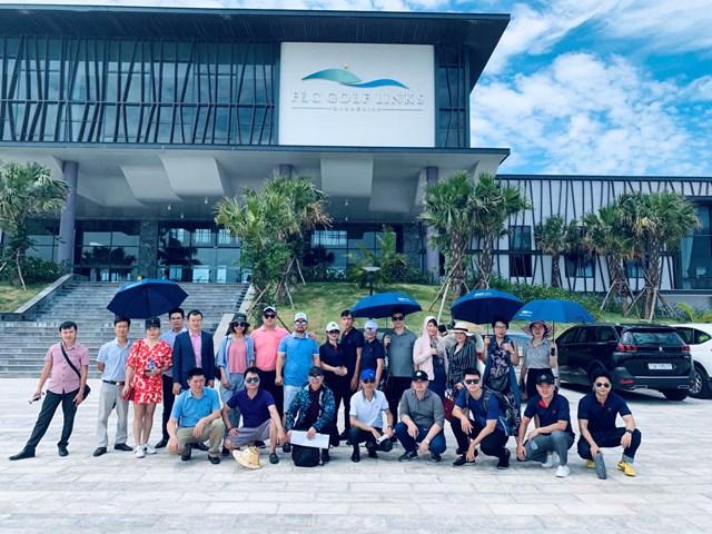 Ảnh 1: Đại diện các đại lý tham dự site tour dự án Quảng Bình
