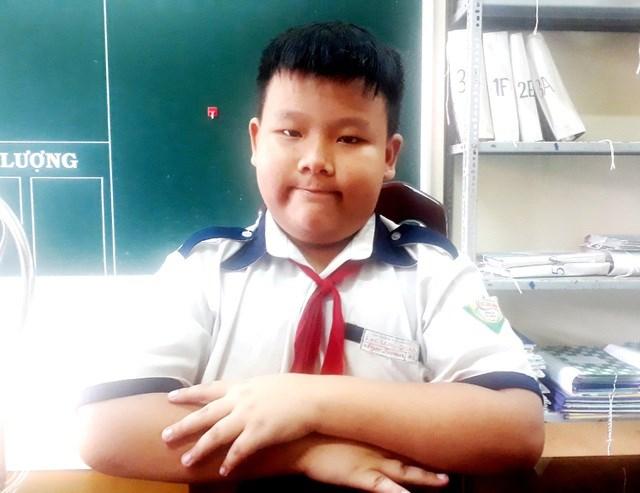 Em Võ Trần Ngọc Đoàn (học lớp 4) đã có hành động đẹp khi nhặt được của rơi và trả lại cho người bị mất. (Ảnh: CTV)