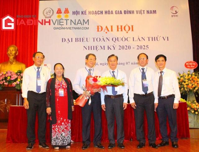 Ban thường trực Hội Kế hoạch hóa gia đình Việt Nam nhiệm kỳ VI (2020 - 2025).