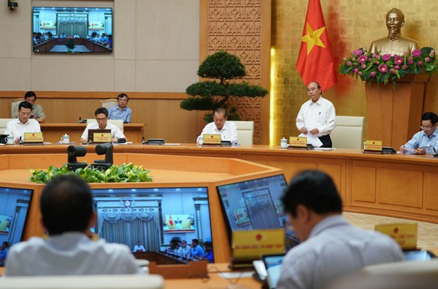 Thủ tướng Nguyễn Xuân Phúc phát biểu tại cuộc họp. (Ảnh: VGP)