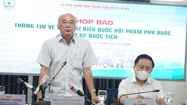Ông Phan Nguyễn Như Khuê, Phó trưởng Đoàn chuyên trách Đoàn ĐBQH TP, Trưởng Ban Tuyên giáo Thành ủy TP phát biểu tại buổi họp báo. Ảnh: Hồng Phúc.
