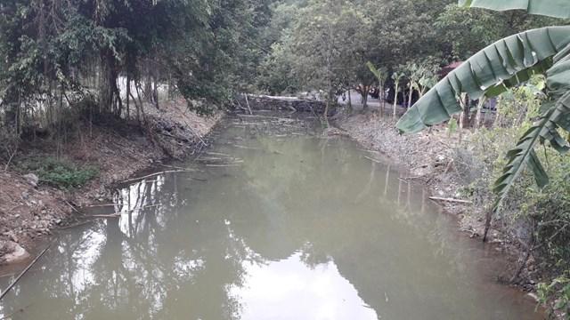 Ninh Bình: Kênh thoát nước núi vùng lõi di sản bị xâm phạm - Ảnh 1