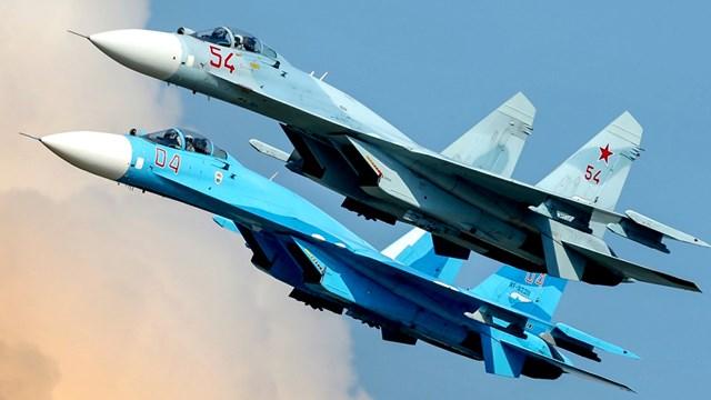 Su-27 Nga chặn 4 máy bay quân sự của Anh - Ảnh 1