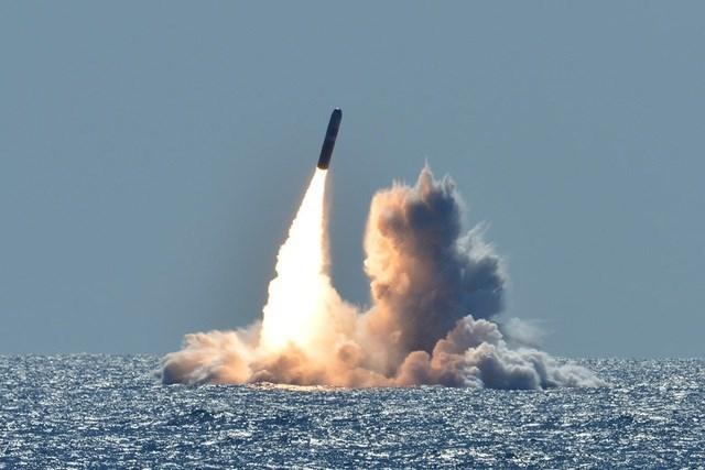 Một vụ thử tên lửa Trident II của Mỹ. (Ảnh: Hải quân Mỹ).