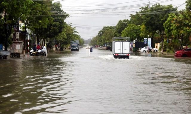Từ nay đến ngày 21/10 ở Trung Bộ tiếp tục có mưa to đến rất to, riêng Hà Tĩnh, Quảng Bình, Quảng Trị có khả năng mưa đặc biệt to.