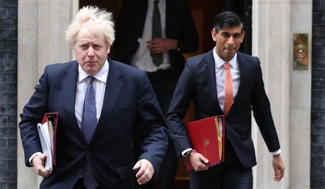 Thủ tướng Johnson và Bộ trưởng Tài chính Rishi Sunak.