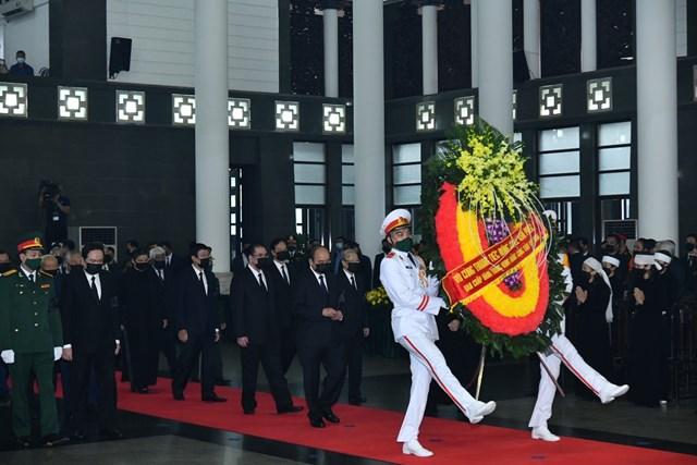 Đoàn đại biểu Đảng, Nhà nước, Chính phủ, Quốc hôi, MTTQ Việt Nam do Thủ tướng Nguyễn Xuân Phcus dẫn đầu vào viếng