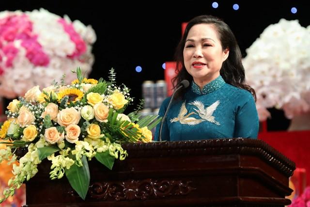 NSND Trịnh Thúy Mùi báo cáo tóm tắt hoạt động 8 tháng đầu năm 2020.