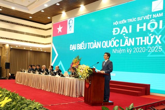 Phó Thủ tướng Vũ Đức Đam phát biểu tại Đại hội. Ảnh: Đình Nam.