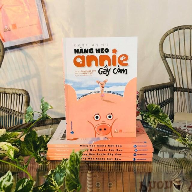 """Cuốn sách""""Nàng Heo Annie Gầy Còm""""."""